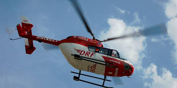 ECMO rettet Leben. Dank der mobilen Herz-Lungen-Maschine konnte ein älterer Mann an Bord von Christoph 51 schnell in das Klinikum Ludwigsburg transportiert werden. Symbolbild.