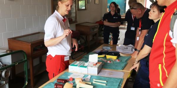 Praktische Übungen gehörten auch zum Programm des diesjährigen Christoph 60-Tags. Bildquelle: Daniel Wiegmann, Feuerwehr Suhl.