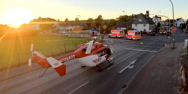 Glück im Unglück hatte ein Autofahrer, dem in Berkamen die Vorfahrt genommen wurde. Er erlitt nur leichte Verletzungen, wie der Hubschrauberarzt feststellte.