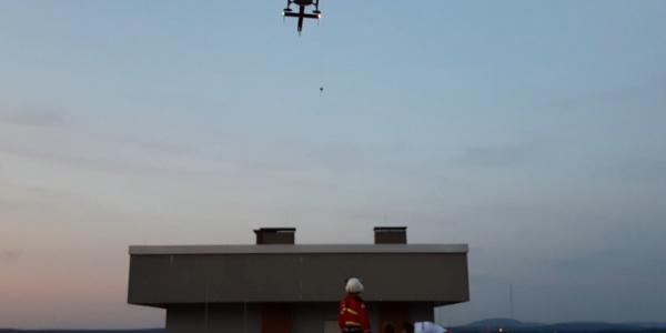 Christoph 27 verfügt über eine fest installierte Rettungswinde mit 90 Metern Seillänge.