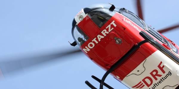 DRF Luftrettung warnt vor Gefahr durch Drohnen. Rettungshubschrauber EC 135