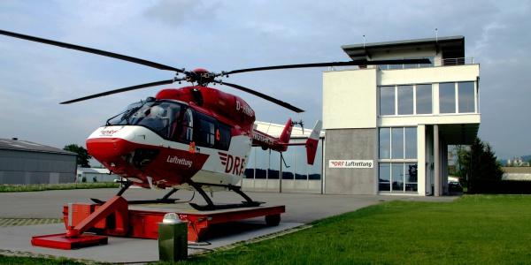 Die Freiburger Luftretter werden häufig auf die Höhen des Schwarzwaldes alarmiert, um verunglückten Wanderern schnelle medizinische Hilfe zu bringen. Symbolbild.