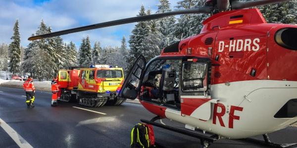 Der Patient musste so schnell wie möglich in eine Spezialklinik transportiert werden.