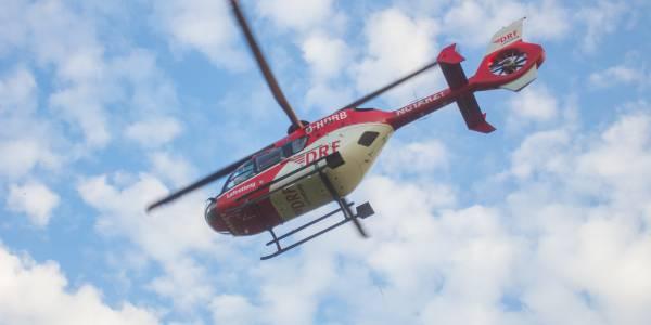 Der Rettungshubschrauber der Karlsruher Luftretter auf seinem Flug zum Einsatz (Symbolbild; Foto: Marcel Heckel).