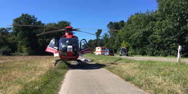 Ein Mann schwebte nach einem Fahrradunfall in Lebensgefahr. Christoph 43 der DRF Luftrettung war nur Minuten nach der Alarmierung vor Ort.