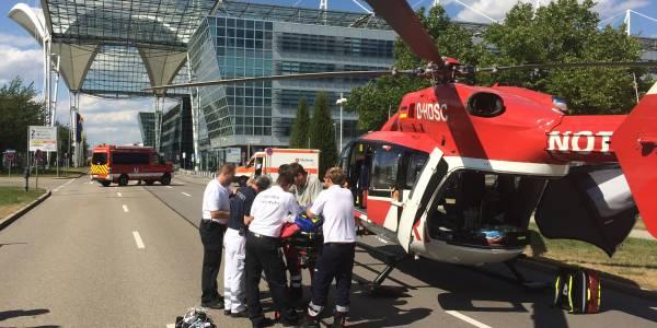 Hubschrauber Christoph München am Flughafen im Einsatz