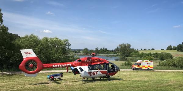 Schnelle Hilfe aus der Luft brachte die DRF Luftrettung einer schwer verletzten Radfahrerin.