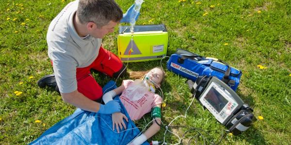 Mit der Kindertragetasche können die Notärzte und Rettungsassistenten Kinder optimal versorgen.