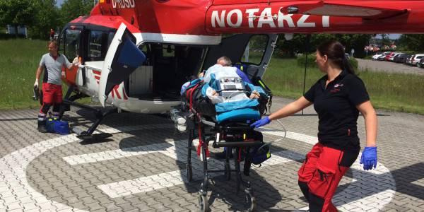 Die Luftretter aus Regensburg sind spezialisiert auf Einsätze, bei denen Patienten mit einer ECMO transportiert werden müssen.