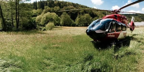 Christoph Regensburg bringt schnelle Hilfe aus der Luft: Pilot, Notarzt und Rettungsassistent erreichen Einsatzorte im Umkreis von 60 Kilometern in maximal 15 Flugminuten.