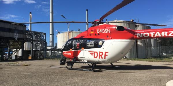 Einsatz in Unterfranken für die Besatzung von Christoph Regensburg: Ein Arbeiter hatte sich mit Schwefelsäure verätzt und musste schnellstmöglich in eine Spezialklinik geflogen werden.