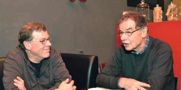 Wiedersehen zwischen Luftretter Carsten Dummmann (li.) und dem Gerettetem, Uwe Rath. Foto: Uwe Schmalenbach