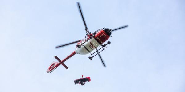 In Bautzen angekommen: Die rot-weiße H 145 der DRF Luftrettung, die künftig als Christoph 62 im Dienst sein wird.
