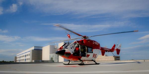 Für einen schnellen und schonenden Transport wurde der Hallenser Hubschrauber der DRF Luftrettung alarmiert. (Symbolbild)