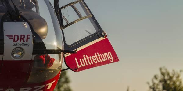 Um den 5-Jährigen so schnell und schonend wie möglich in eine Augenklinik zu transportieren, wird ein Hubschrauber benötigt.
