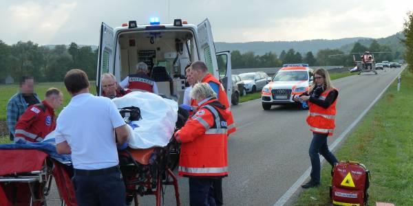 Hubschrauber Christoph 51 der DRF Luftrettung bei Verkehrsunfall