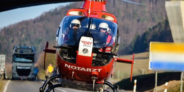 Der Suhler Rettungshubschrauber der DRF Luftrettung im Einsatz.